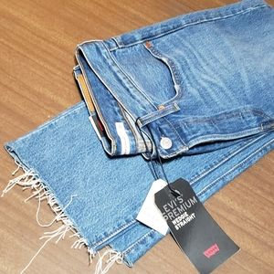Levi's premium special edition crop jeans NWT